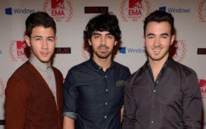 #Jonas-brothers