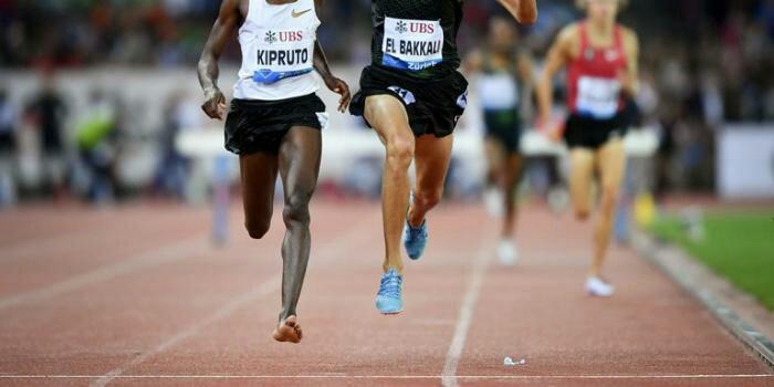 Kenyan Athlete, Conseslus Kipruto. Wins 3000m Race With One Shoe
